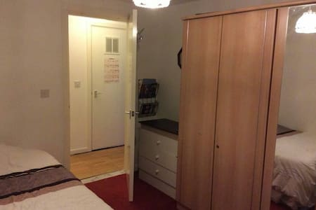 Lrg Double Room in Newly Built Flat