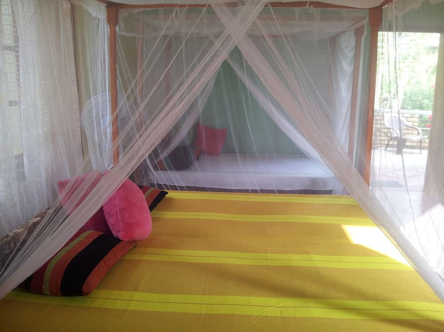 family surf guest house in midigama