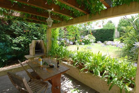 """Minivilla """"lilac"""" for 2 people with private garden and swimming pool 2km from the beach - Calvi"""