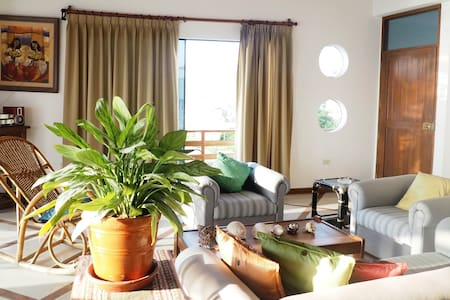 QUIET APARTMENT IN FRONT THE BEACH - Huanchaco
