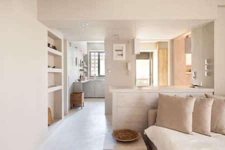 Renovated modern minimal apartment