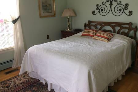 Tall Pines Above Seneca - Queen - Bed & Breakfast