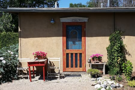A Simple Casita minutes from Plaza