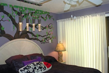 Room type: Entire home/apt Property type: Apartment Accommodates: 5 Bedrooms: 2 Bathrooms: 2