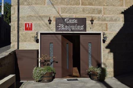 CASA REQUIAS. Apartamento Nº 2 - Apartemen