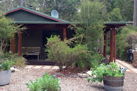 Cozy cottage in Boranup Forest - Haus