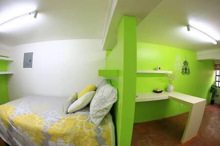 The Island Cove studio Apartment #2 - Lakás