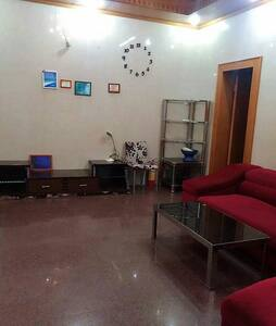 Nice space,close to supermark ,park,quite - Foshan - House