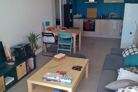 Bel appartement calme et ensoleillé - Cuers - Wohnung