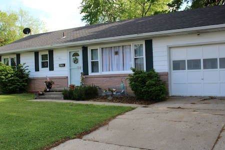 3 Bedroom home close to WAFB - Knob Noster