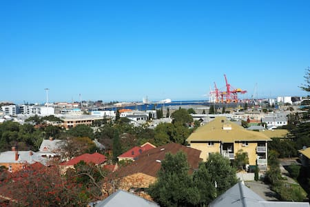 North Freo - views, beach & river! - North Fremantle