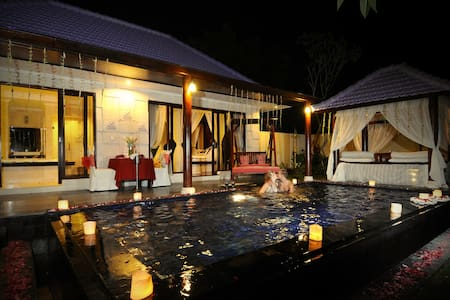 AMAZING PRIVATE POOL VILLA AT KUTA - Casa de camp