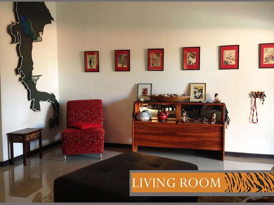 Safe affordable suite in posh Escaz