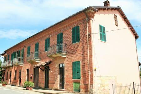 Piccolo alloggio nel Monferrato - Penango
