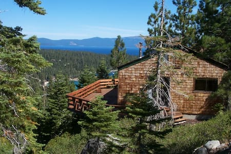 LUXURIOUS LAKE VIEWS, WALK to TAHOE - Kisház