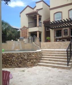 Warm Oceanfront Luxury Home