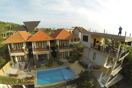 Room type: Private room Property type: Villa Accommodates: 3 Bedrooms: 1 Bathrooms: 1
