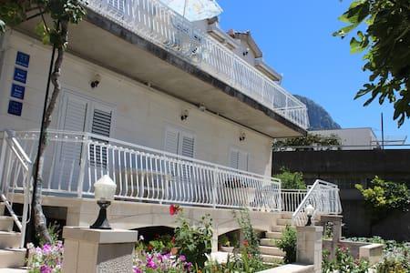 Apartment for 2+1 Gradac - Wohnung