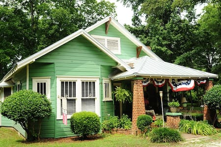 Key West Cottage in Winterville GA! - Hus