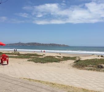 Vista al mar para ti y tu familia - Flat