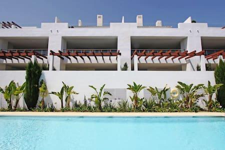 Luxury apartment at Finca Cortesin Golf Club. - Casares - Apartamento