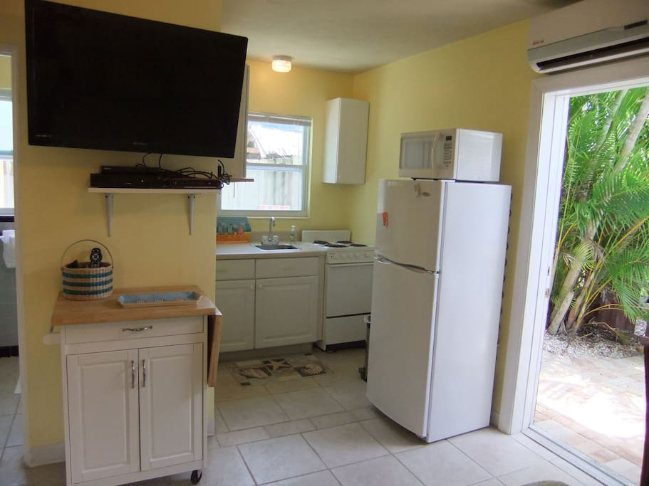 Siesta Key Studio near beach & pool