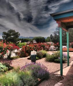 Comfy private apt centrally located - Albuquerque - Apartment