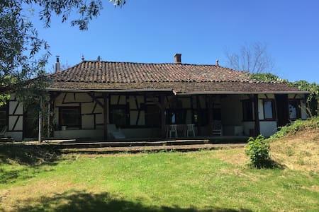 Natur Pur im Burgund - House