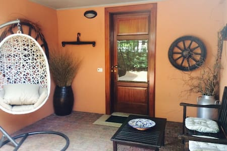 Room type: Private room Property type: Villa Accommodates: 2 Bedrooms: 1 Bathrooms: 1