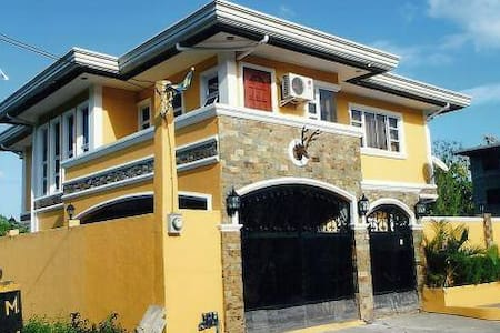 HOUSE RENTAL IN CLUB MOROCCO - Subic - 公寓