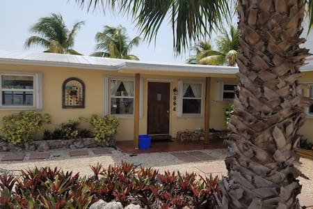 Waterfront canal home, Atlantic ocean view, 3BR2BA - Marathon - House