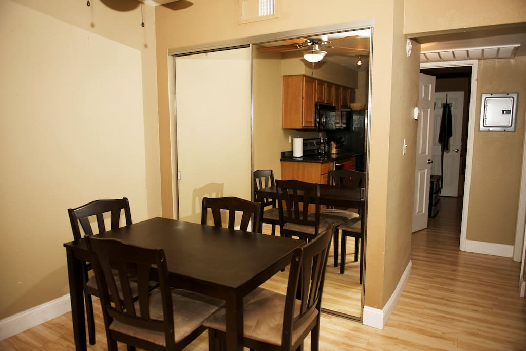 Clean and Modern 2BD w Free Parking