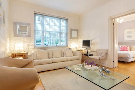 Historic 1 bed flat, Chelsea - London - Apartment