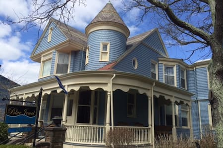 Bed & Breakfast in Downtown Newport - Newport - Bed & Breakfast