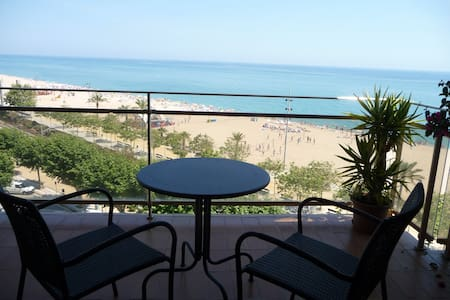 100sqm flat in front of the seaside - Apartamento