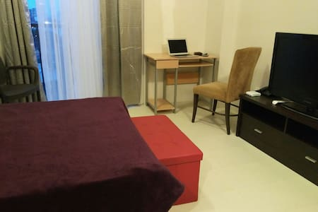 Studio Condo with Pool, Gym, Kitchen, WIFI, - Appartamento