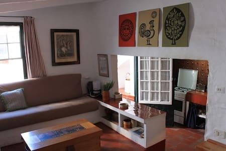Casa típica menorquina. - Fornells