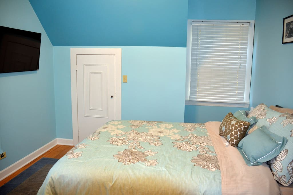 2 Bedroom Coach House Evanston Houses For Rent In Evanston