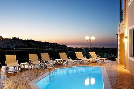 Villa NewCrete, glamorous & convenient - Ρέθυμνο - Huvila