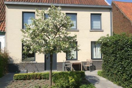 Landelijk genieten bij Brugge! - House