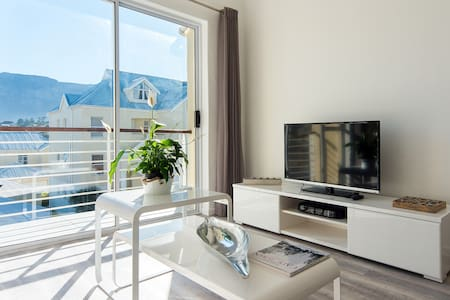 Sleek, Modern & Secure Living - Cape Town - Apartment