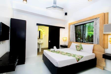 Eco-Friendly Room Near White Beach Station 1 - Diğer
