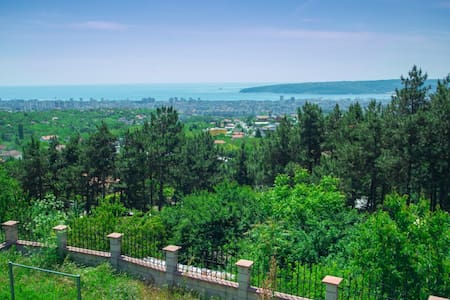 Double bedroom with a view - Varna - Villa