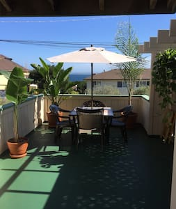 Montery Townhouse, 2Bed 1.5 Bath