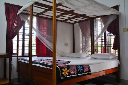 Clean Sunny & Comfy Room in Varkala