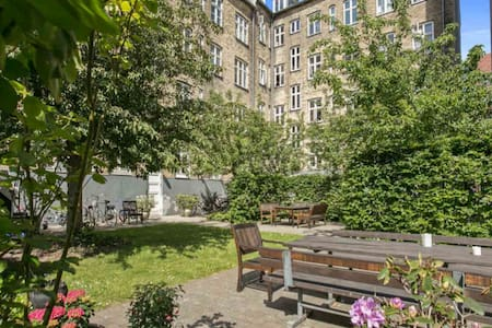 2ensuite-rooms(40m2) in Central Cph