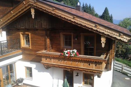 rustikales Ferienhaus im Zillertal - House