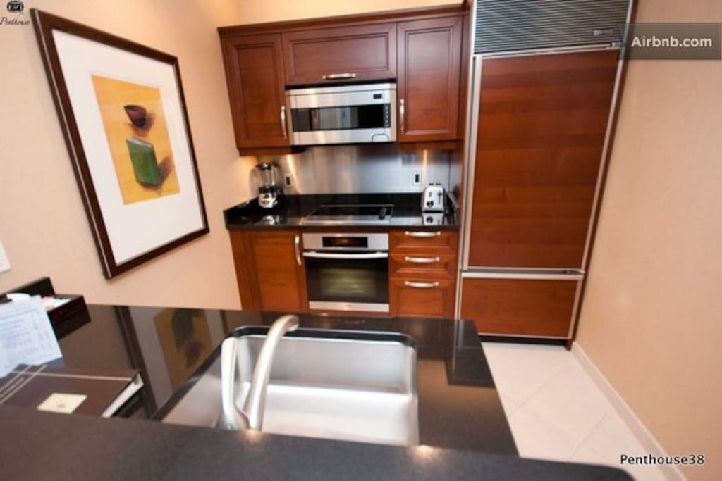 Fully appointed kitchen! 5 Appliances