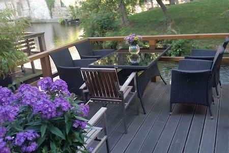 Traumhafte Lage direkt am Fluss - Apartment