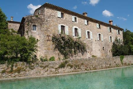"The Mas de Gourgasset"" A 16th Century hamlet - Ev"